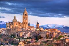 Segovia (benitojuncal) Tags: santa castle canon atardecer catedral ciudad leon segovia semana castillo castilla navacerrada 50d