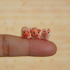 Three little pigs (MUFFA Miniatures) Tags: cute pig miniature funny doll handmade oneofakind ooak crochet amigurumi threelittlepigs dollhouse piggie muffa cdhm threadminiatureanimals