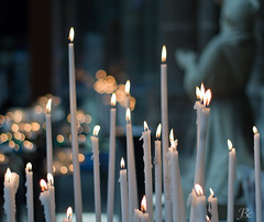 Cold Candles (Jerome_Bc) Tags: 50mm candles bokeh reims bougies froid cathedrale flammes priere