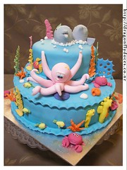 Under the Sea Cake (Dragonfly Doces) Tags: boy sea horse fish cake children mar do dolphin under crab pasta infantil americana bolo criana cavalo menino octupus fundo peixes marinho caranguejo golfinho polvo gumpaste