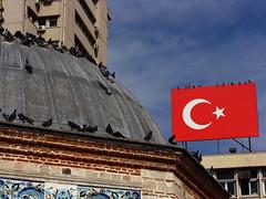 Bayrak inmez.! Ezan dinmez...Trkiye (Yener ZTRK) Tags: travel turkey ceramic pigeon flag trkiye mosque turquie trkorszg trkei cami turkishflag konaksquare konak smyrna izmir trk ege turchia bayrak ayyldz  turkei seramik trkbayra gvercinler turcha trkiyecumhuriyeti yalcami turkqua yenerztrk  t t tp t egeninincisi yenerphotography