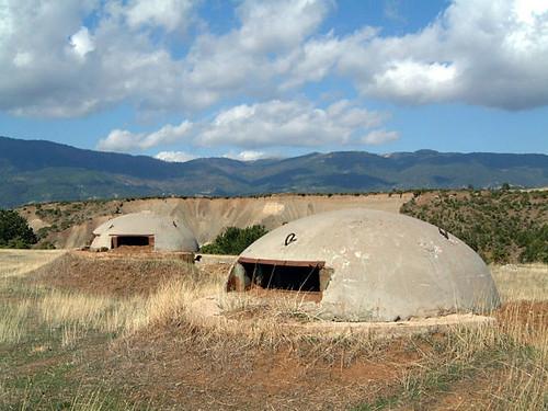 Albania_bunkers