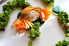Fadinha do Bosque (Gata Valquria) Tags: verde necklace felt bosque feltro boneca collar colar fios colares necklaces feltros