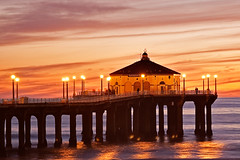 Manhattan Beach Pier (szeke) Tags: ocean california light sunset sky beach clouds landscape pier pacific manhattanbeach oceanshore abigfave anawesomeshot
