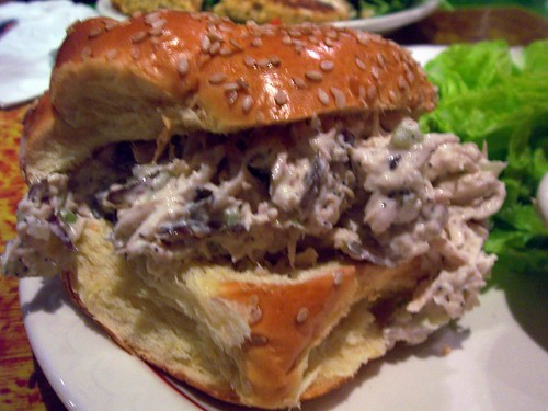 Chicken salad sandwich, Full Plate