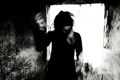 Nosferata (sarak hellas) Tags: friends portrait people bw woman cinema blur dark donna nosferatu gothic creative dracula horror ritratto nera mosso sarak gotica nosferata nikond80 sarakhellas