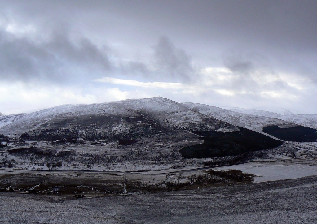 Snow clouds over Morrone