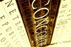 Concorde revisited (Elisabeth de Ru) Tags: paris france fdsflickrtoys europa europe frana concorde frankrijk 75001 francia parijs placedelaconcorde parigi parys   parisi   pariz sepiatreatment   mtrodeparis celisabeth85flickr  quartiervendme parismarch2009 arabic korean russian pariswiththeboys elisabethderu