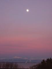 pre-sunrise full moon (teddelf) Tags: from earth heavens