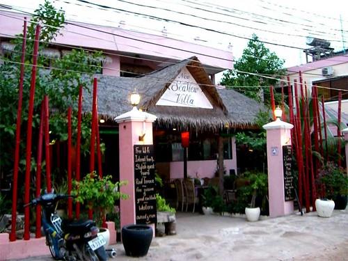 http://www.sihanoukville-hotel.com