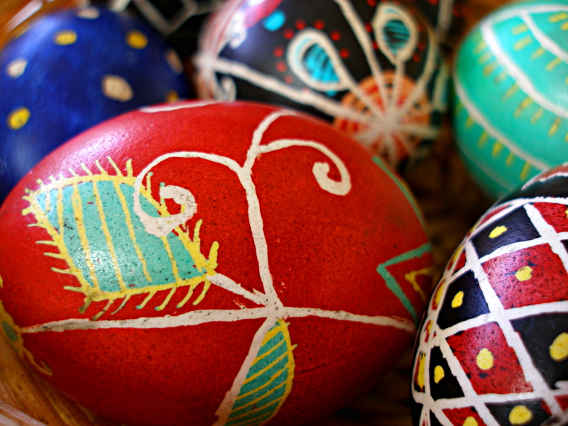 Pysanky red