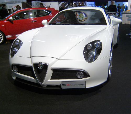 Car Design News: Alfa Romeo R8