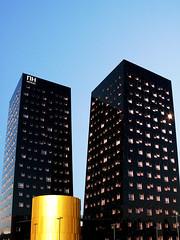 Nhotel (eletrix) Tags: windows black gold milano nero architettura oro fiera lucido rho dominiqueperrault contemporanea nhhotels sottoilcielodimilano m1rho