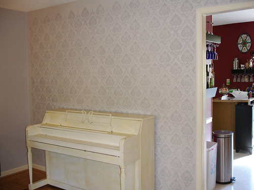 Home Renovation: Front Room Stenciled!