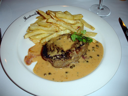 Steak Frites Salade montrachet