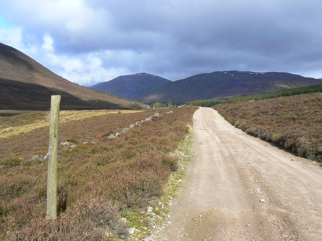 The track through Glen Lui