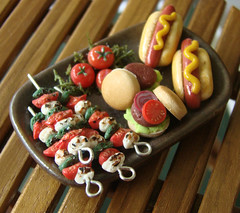 Party Time! (PetitPlat - Stephanie Kilgast) Tags: tomato miniatures ham meat pork polymerclay fimo clay hamburger minifood platter dollhouse miniaturefood miniaturen