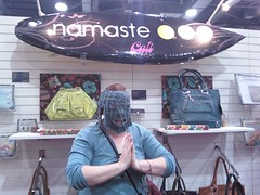 aniie modeknit in a mask... ;}