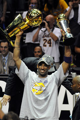 Kobe Bryant with his championship trophy (noamgalai) Tags: la photo orlando magic picture photograph trophy 24 nba lakers mvp   game5 losangeleslakers  kobebryant noamg noamgalai   fianls sitesports