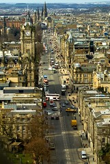 Prince's Street, Edinburgh (by: Max Blinkhorn, creative commons license)