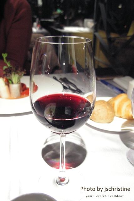 招待的紅酒
