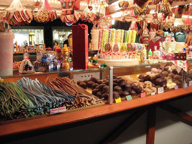 שוק חג מולד בברלין. מתוקים מתוקים מתוקים.