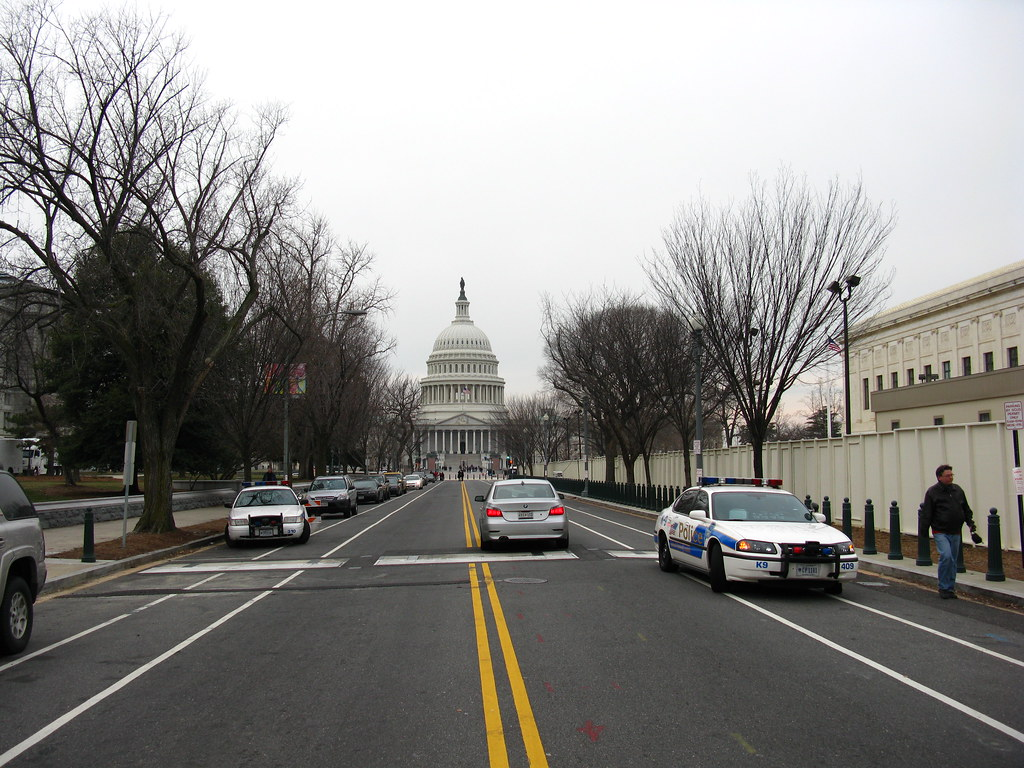 2009 01 18 - 0402 - Washington DC - E Capitol St