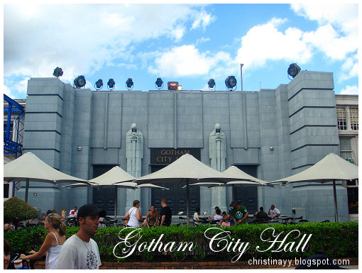Warner Bros Movie World: Gotham City Hall