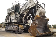 liebherr 996 front (dalinean) Tags: big collie mine sigma machinery huge coal sd10 griffin immense liebherr