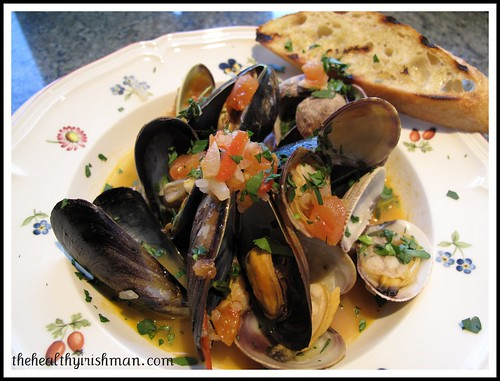 Mussels with fresh tomatoes & thyme