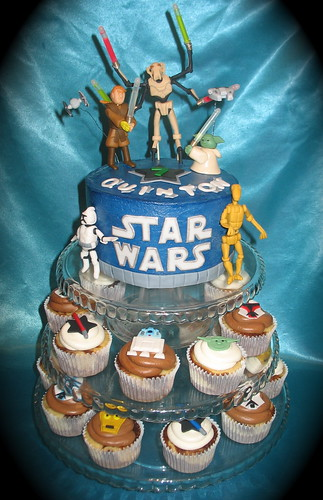 Star Wars cake and cupcakes by two parts sugar