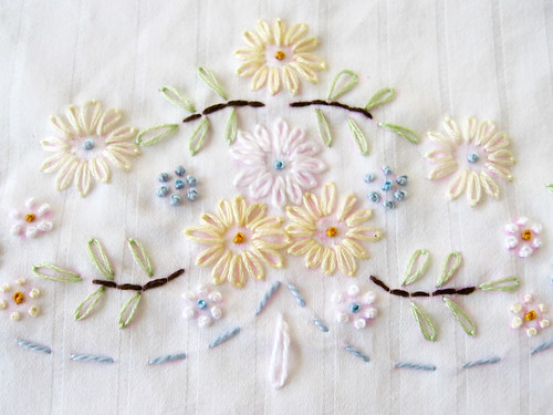French knot and Lazy daisy time...