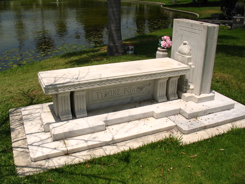 Tyrone Power Grave (1)