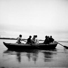 Boat on the Ganges. (ndnbrunei) Tags: travel blackandwhite bw india 6x6 tlr film rollei rolleiflex mediumformat square bn varanasi mf kodakbw400cn rolleiflex28f ganges bw400cn classicblackwhite analoguephotography autaut rolleigallery ndnbrunei