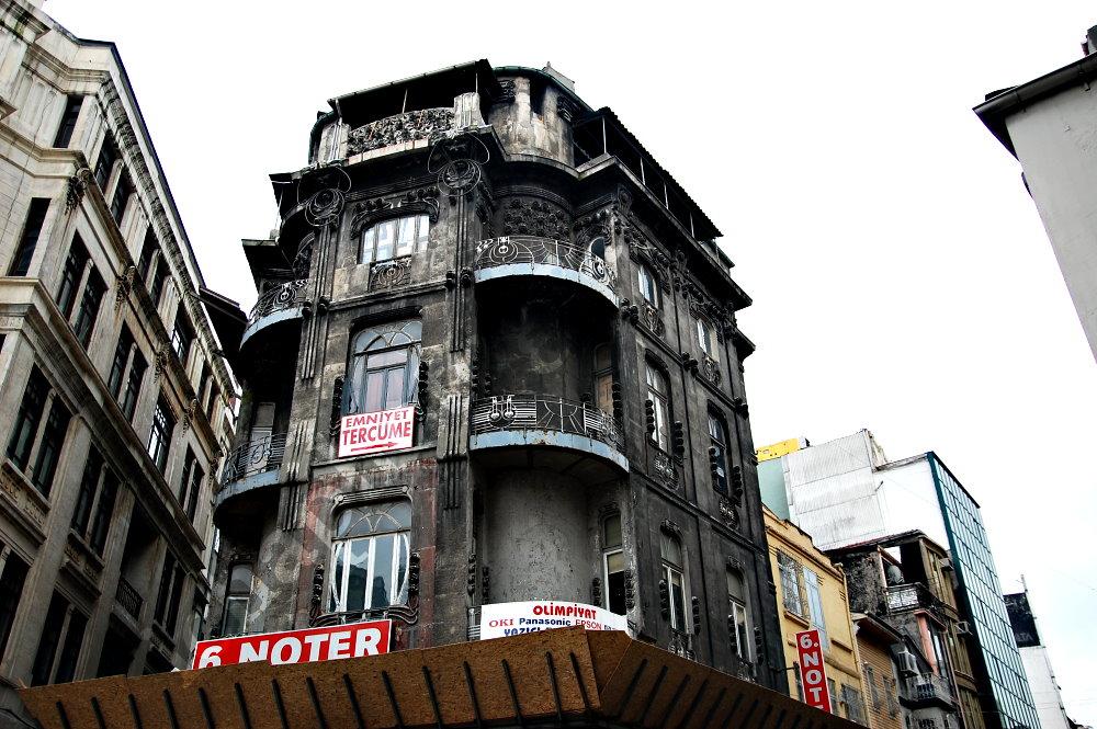 Eminonu - Old Building