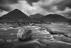 Sligachan (mibreit) Tags: travel vacation blackandwhite bw skye nature water river landscape scotland spring highlands reisen wasser isleofskye hiking urlaub natur landschaft frhling schottland sligachan schwarzweis