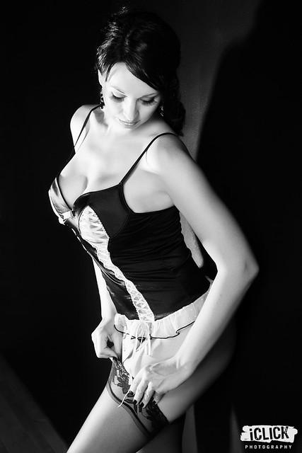 Erin (nude) — Digital Grin Photography Forum