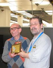Gianfranco Goria premia Carlo Peroni - photo Goria - click