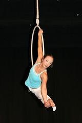 Elizabeth_Gaumond_7757 (Zaldun Urdina) Tags: circo circus aerial flex cirque contortion aro contorsion frontbend elizabethgaumond bihurrikaria