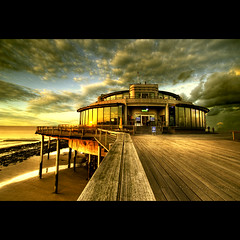 It's Oh So Quiet... (Dimitri Depaepe) Tags: sunset pier blankenberge ~ hdr abigfave bratanesque theunforgettablepictures artistictreasurechest