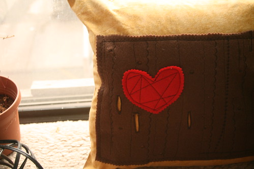 woodgrain heart pillow