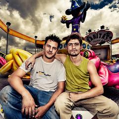 Desde prvulos (Ibai Acevedo) Tags: life amigos friendship amor colores together vida atwork amistad juntos hombres incondicional hombros