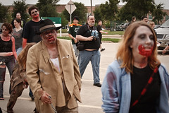 Zombies walking ( ian) Tags: southwest us dallas texas unitedstates cc convention creativecommons horror undead irving zombies 2009 zombi tfw livingdead zombiewalk   texasfrightmareweekend  zonbi  sombi  thedeadwalkagain txfw