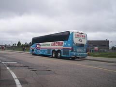Coach Canada/Safeway tours - MCI J4500 blue wrap (genereu) Tags: bus québec safeway tours autobus motorcoach autocar coachcanada mcij450