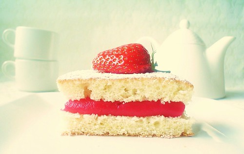Little Lemon&Strawberry Cakes
