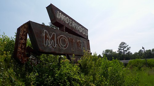 Underwood Motel Sign
