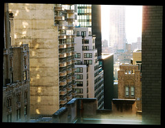 50th street sunrise (gsellorama) Tags: new york city nyc morning blur building sunrise hotel manhattan stadt sonnenaufgang morgen waldorfastoria frh