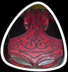 Thorshammer- Torte (Tortenwahn) Tags: marzipan thor fondant thorshammer gebck mjlnir ss buttercreme mjllnir motivtorte mottotorte tohrshammer mottotorten