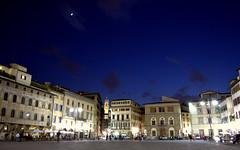 Piazza Santa Croce di notte, Firenze (Lorenzo X) Tags: florence tuscany florencia firenze toscana toscane florença florenz toskana santacroce flickraward tripleniceshot