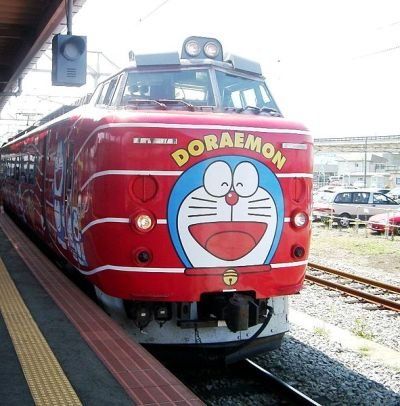 Tren Doraemon